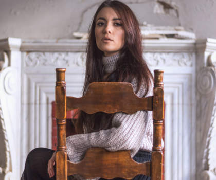 Model: Arisa Kar