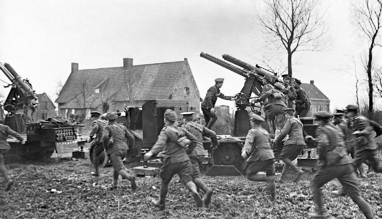 H Ιστορία του φωτογράφου Έρνεστ Μπρούκς , πρωτοπόρου φωτογράφου που έδρασε στον Α' Παγκόσμιο Πόλεμο.